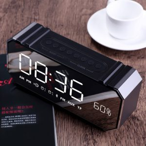 Dido Q9 Audio F1 Bärbara Mini bluetooth-högtalare Smart LCD-skärm Väckarklocka Radio FM-mottagare Trådlöst TF-kort U Disk Högtalare