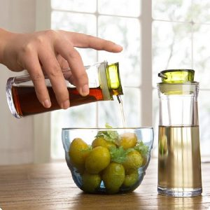 BPA Free Creative Controllable Oiler Sealed Leak Proof Oil Bottle Soy Sauce Seasoning Bottle