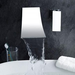 Modernt badrumskran med en handtag Sink Mixer Tap Wall Walled Chrome Messing Waterfall