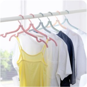 Folding Travel Hanger Portable Travel Clothes Brace Household Windproof Clothes Hanger Non-slip Clothes Hanger Plastic Cloth Hanger
